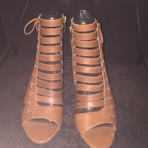 NEW Vince Camuto Cognac Leather Heels (Never Worn)